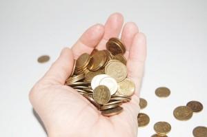 手にお金money-621349_640
